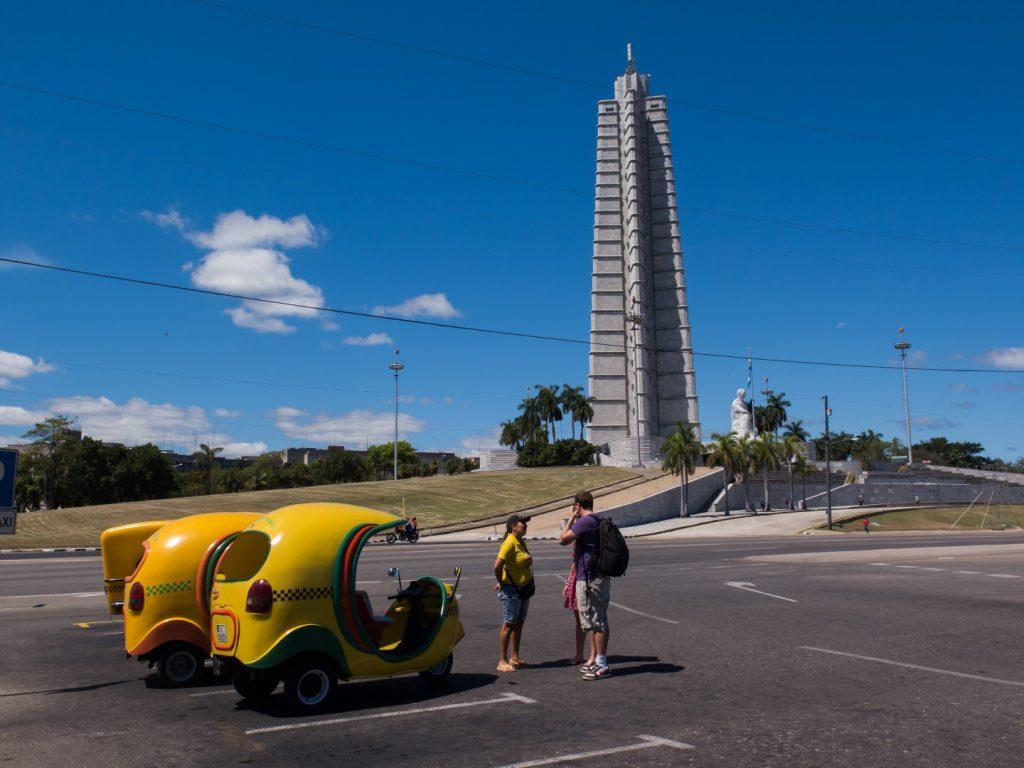Taxi_Plaza_de_la_Revolution