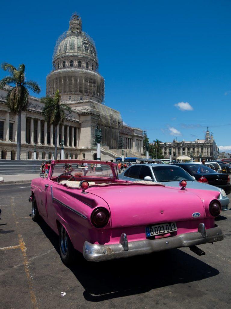 Pink_Old_American_Car