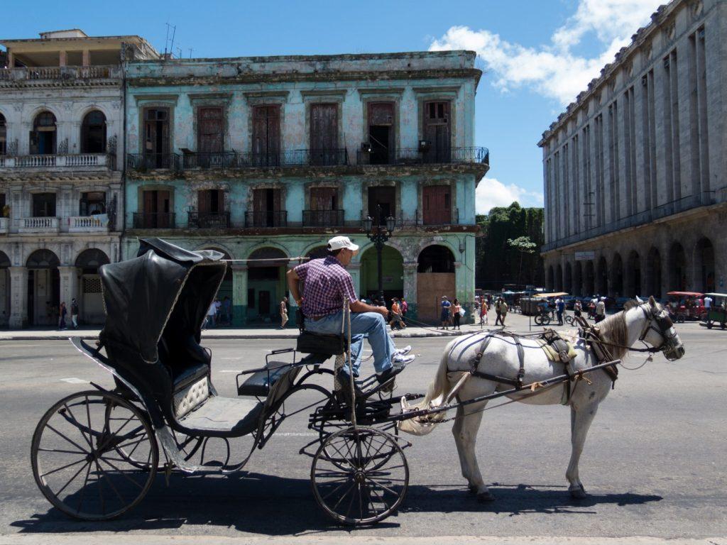 Cart_in_Old_Havana