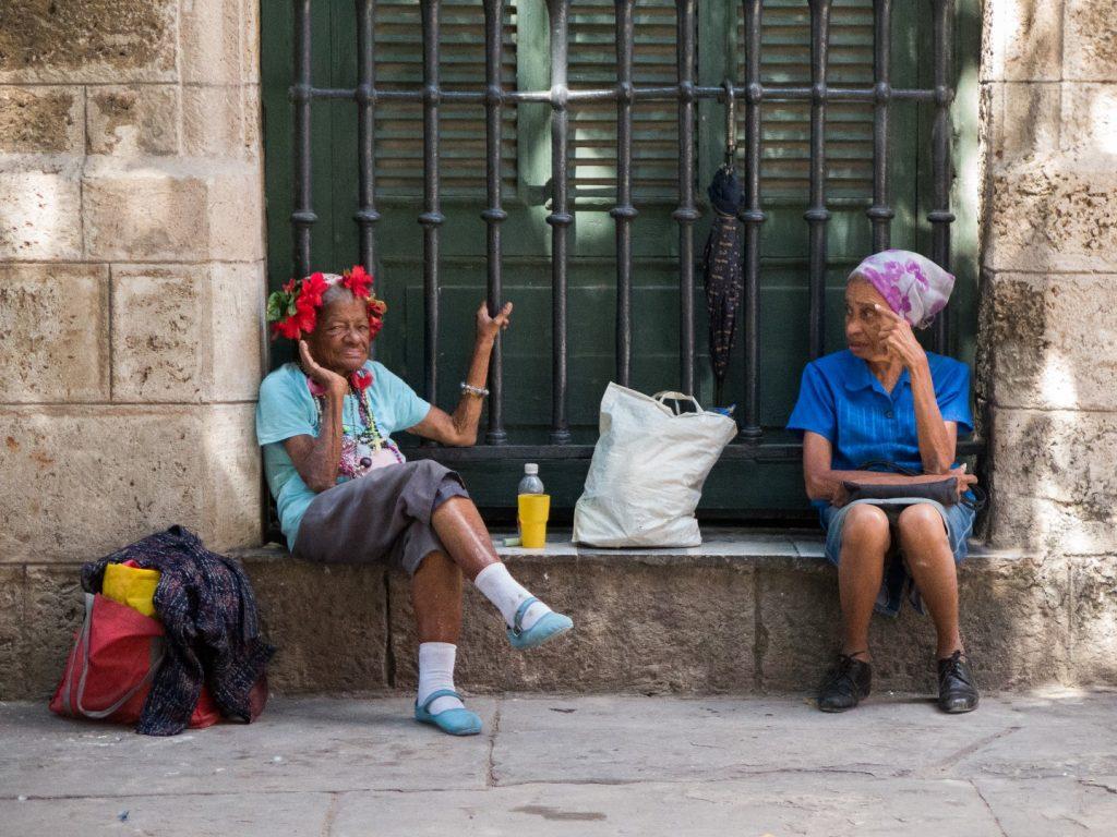 Local_cuban_women